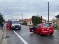 FOTO Dopravná nehoda pri Topoľčanoch: Pri zrážke troch vozidiel sa zranilo päť ľudí