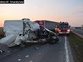 Hrozivo vyzerajúca nehoda: Na diaľnici R1 pred Trnavou sa zrazili tri autá