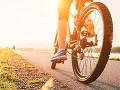 Neznámy páchateľ okradol 77-ročnú cyklistku: Hrozí mu trest odňatia slobody až na desať rokov