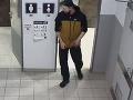 Šok v nákupnom centre: VIDEO Otras! Muž si tajne natáčal ženy v kabínke na záchode