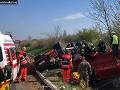 AKTUÁLNE Prevrátený kamión na D2: VIDEO Zasahoval vrtuľník, diaľnica je stále neprejazdná!