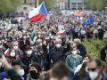 V Česku stratili trpezlivosť s prezidentom: Proti ruskému vplyvu protestovali v mestách tisíce ľudí
