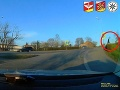 VIDEO Policajti naháňali po meste cudzinca: Občan im požičal svoj bicykel!