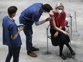 KORONAVÍRUS Znepokojivá správa: Táto vakcína môže spôsobiť zrazeniny aj u starších žien
