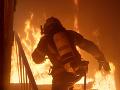 V chemickom závode v Iráne vypukol požiar: Dvaja hasiči sú zranení