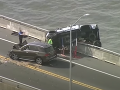 Desivá nehoda na moste: VIDEO Dieťa (2) vymrštilo zo sedačky do vody, nečakaný zvrat!