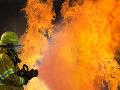 Požiar obytného domu v Budapešti: Zranilo sa 8 ľudí, policajtov museli hospitalizovať
