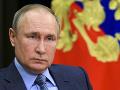 Putin i Merkelová si pripomenuli výročie konca druhej svetovej vojny v Európe