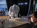 KORONAVÍRUS India zaznamenala ďalších vyše 403-tisíc infikovaných: Pribudlo 4092 úmrtí