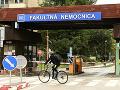 Čoskoro možno budeme môcť navštíviť chorých v nemocniciach: Ministerstvo hľadá kompromis