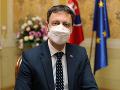 KORONAVÍRUS Učíme sa bojovať za pochodu, ale nad vírusom sme ešte nevyhrali, tvrdí premiér Eduard Heger