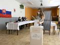 Dnes si v 30 obciach volia starostu či poslancov: Platia protipandemické opatrenia