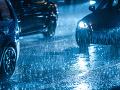 AKTUÁLNE V Bratislave husto prší: Vodiči hlásia kolóny i nehody