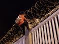Parlament schválil zákon obmedzujúci práva migrantov: Chce tým poslať správu Iračanom