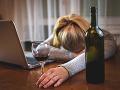 Mysleli ste si, že pohár vína neškodí? OMYL! Vedci prišli s hrozivým výsledkom štúdie o pití!