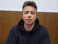 Bieloruský opozičný novinár Pratasevič je vo väzení: Možno ho práve mučia, režim zverejnil jeho video