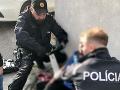 Násilie v uliciach Bratislavy: Muž vo štvrtok ráno napadol ženu, zasahovať museli policajti
