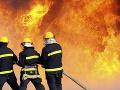 Mohutný požiar v tábore pre jezídskych presídlencov: Plamene zničili vyše 400 stanov