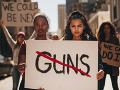VIDEO Násilie v USA pokračuje: Streľba si vyžiadala 20 zranených a jedného mŕtveho
