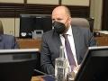 Minister Naď prišiel na vládu zakrvavený! FOTO Hrôzostrašné zranenie na tvári, prvé slová, čo sa stalo