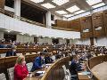 Poslanci schválili založenie firmy pre obnovu kúpeľov Grössling