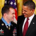 Obama udelil najvyššie vyznamenanie mladému seržantovi