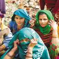 Ženám zakázali používať mobily, nechcú, aby sa sobášili