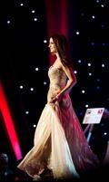 Súťažiaca s číslom 5 Katarína Mandelíková na Miss Universe 2011
