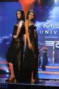 Finalistky Miss Universe SR 2011  a promenáda v plavkách.