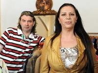 Braňo Mojsej sa snaží o návrat k exmanželke Nore. Tá sa tomu absolútne nebráni.