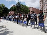 Turecké odbory začali pre protesty dva dni štrajkovať