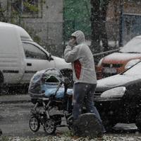 Západné a Stredné Slovensko zasiahlo sneženie.