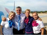 Uniformy letušiek novej slovenskej aerolinky sú vyrobené aj v chránenej dielni