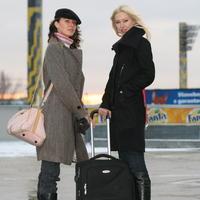 Odovzdá napokon Silvia (vpravo) korunku Márii?