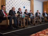 Prezidentskí kandidáti počas debaty