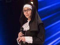 Monika Agrebi má v skutočnom živote od mníšky ďaleko. Dôkazom môžu byť zábery z jej spálne.