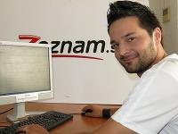Víťaz šou X Factor Peter Bažík bol online.