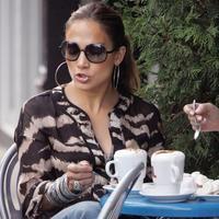 J.Lo je známa tým, že čašníkov najprv komanduje, a potom im nedá ani dolár