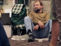 Muž bez domova, ktorého prekvapili nemeckí študenti