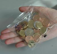 Balíček mincí za 405 Sk (12,52 €) pomôže každému...