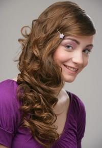 Jednoduché účesy: Pre kratšie i dlhé vlasy