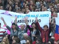 Na príhovor pápeža vo Vatikáne čakali aj Slováci, ktorí podporujú referendum
