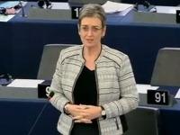 Ulrike Lunaceková Škripekovi v súvislosti s referendom nič nedarovala.