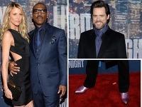Eddie Murphy sa chválil sexi kočkou, jeho kolega Jim Carrey výstrednými topánkami.