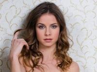 Nela Pocisková opäť randí s hereckým kolegom.