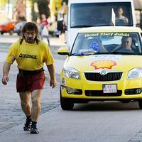 Juraj Barbarič ťahal za sebou auto 500 kilometrov