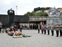 Pietna spomienka pri príležitosti Dňa obetí holokaustu a rasového násilia pri Pamätníku holokaustu v Bratislave