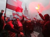 V Poľsku ľudia demonštrujú proti migrantom.