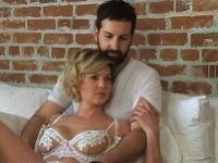 Katherine Heigl a Josh Kelley sa dali zvečniť v posteli.