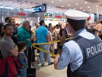 Letisko v Kolíne museli evakuovať.